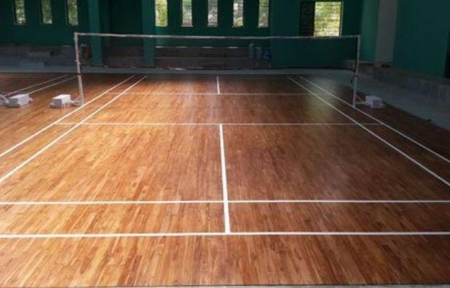 Badminton court height