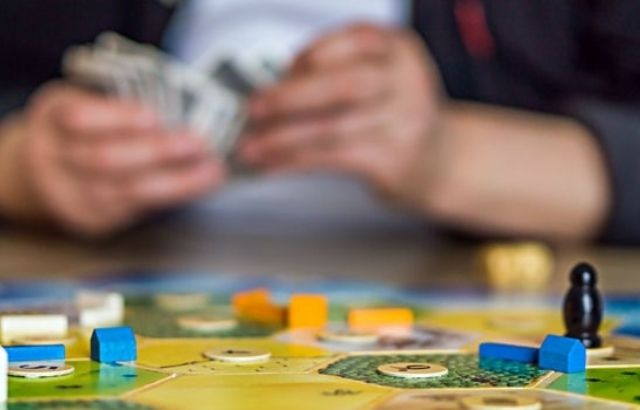 What are the Benefits of Solo War Board Games?