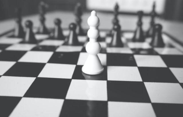 Can king move like horse in chess