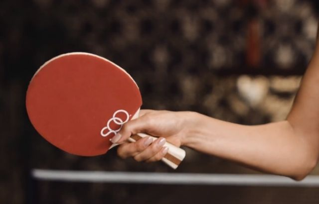 how to hold a Ping Pong Paddle