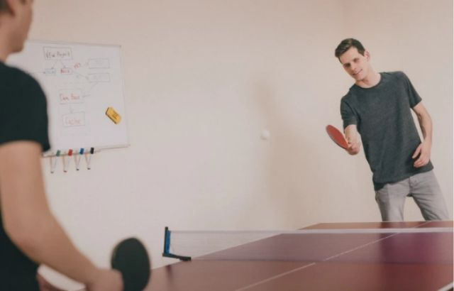 Illegal ping pong serves