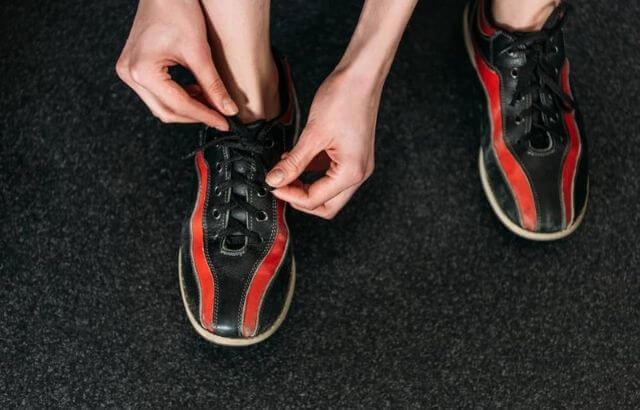 Performance bowling shoes