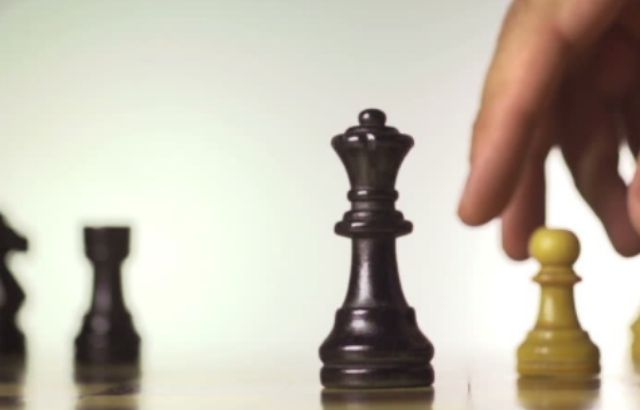 how to castle in game pigeon chess