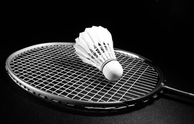 how is badminton unlike other racquet sports