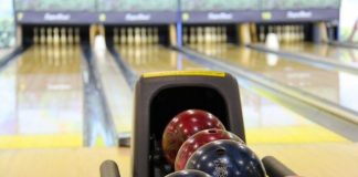 wonder how to clean a bowling ball with rubbing alcohol