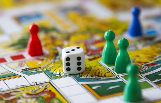 how do board games work