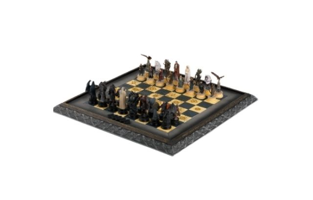 Lord of the Rings Chess set pewter