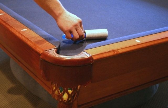 how to clean the pool table felt