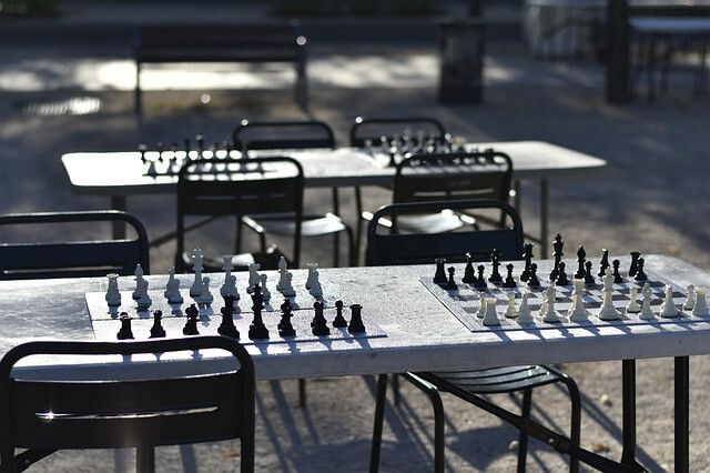 What is the Best Height for a Chess Table